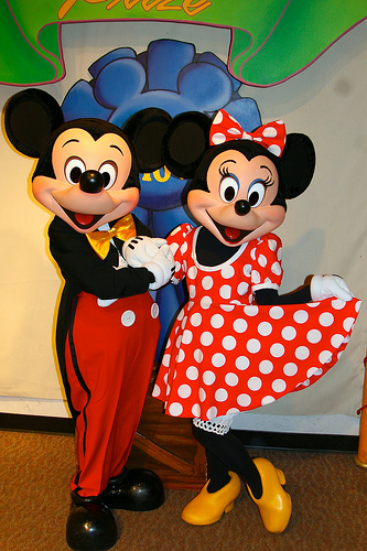 mickey-minnie-judges-tent